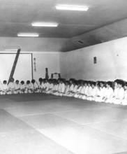5 – Primeiro estágio de Karate-do dirigido pelo Mestre Tetsuji Murakami, Academia de Budo, 1971