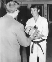 2 – Primeiro estágio de Karate-do dirigido pelo Mestre Tetsuji Murakami, Academia de Budo, 1971
