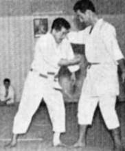 Mestre Masaami Shirooka – Goshin Jutsu no Kata – Ushiro Eri Dori 1