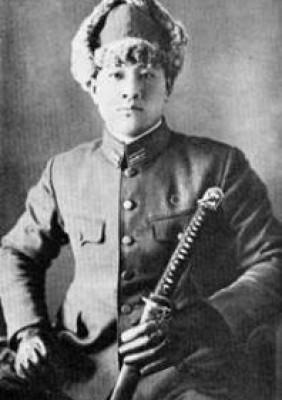 Masaami Shirooka, envergando a farda de Tenente