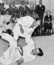 2 – Demonstração de Judo pelos Mestres Correia Pereira e Sebastião Durão perante altas individualidades japonesas e portuguesas, Academia de Judo, Rua de S. Paulo