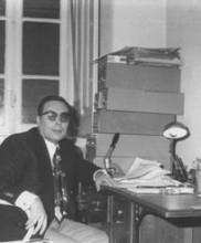 O Dr. Pires Martins no seu gabinete da Academia de Budo